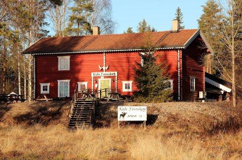 LÅSTE DØRER: Kafé Finnskog ved Vermundsjøen.