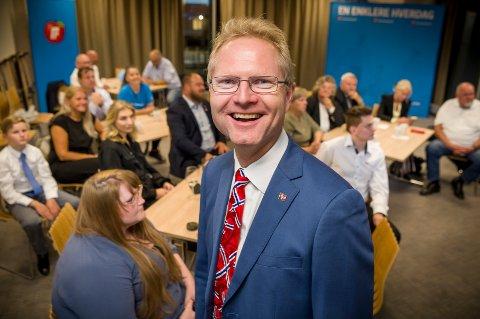 UTE, MEN INNE: Stortingsrepresentant Tor André Johnsen gledet seg over at han så ut til å bli gjenvalgt da de første prognosene forelå. Men nå på utjevniingsmandat, ikke som ordinært distriktsmandat.