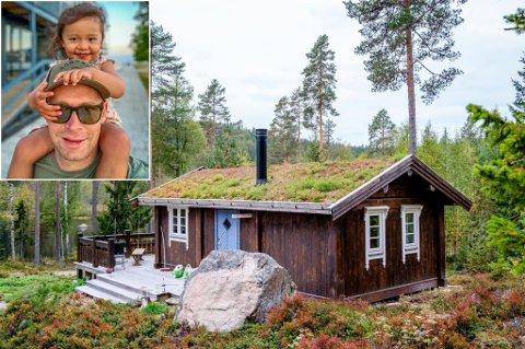 DET GODE LIV: I sommer kunne DNB Eiendom i Kongsvinger fortelle at svært mange ønsker å kjøpe hytter uten strøm og vann i distriktet vårt. Sebastian Knutsen, her med datteren (3) på skuldrene, er blant de nye hytteeierne i våre lokale skoger.