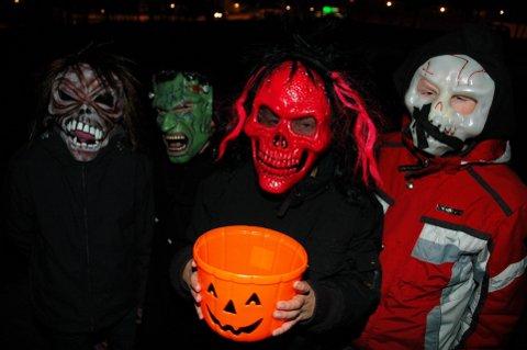 UMULIG Å TA LIVET AV: Halloween, altså. Barna bak maskene har for lengst blitt voksne og har trolig funnet seg noe mer fornuftig å drive med.  Arkivfoto: Kari Utgaard O