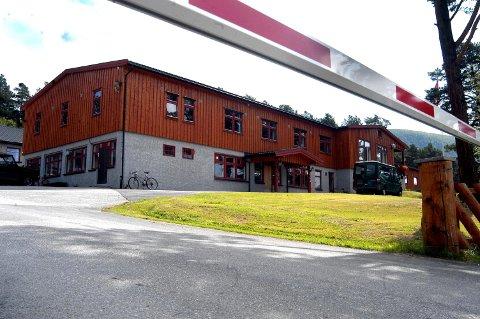 HV-skolen på Dombås står i fare for å bli stengt, igjen.