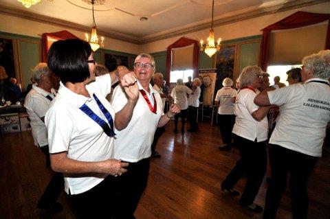 FOLKEHELSE: Dans - et av mange tiltak for bedre folkehelse, mener fylkesordføreren. Nå skal det sastses enda mer på forebyggende tiltak.