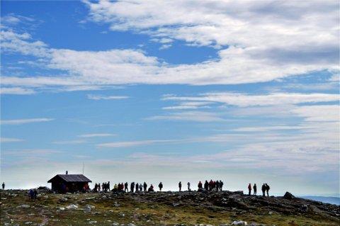 FLYTTER TIL FJELLS: Visit Lillehammer flytter til fjells i høstferien. Tirsdag er de på Lunkefjell. Onsdag står  Neveltoppen for tur.