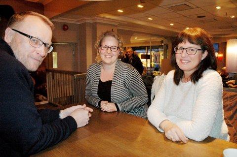 KrFs topptrio: I midten toppkandidat Hilde Ekeberg, sammen med fylkesleder Toril Kristiansen og tidligere fylkesleder Morten Hallling.