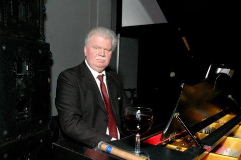 SOMMERKONSERT: Ringsaker-organist Roger Andreassen har med seg tropeteren Trond Sagbakken og sopranen Magnhild Korsvik under sommerkonserten i Lillehammer kirke søndag 22. juli.