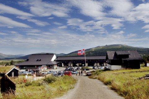 Rondablikk Høyfjellshotell er i Oslo tingrett dømt til å betale erstatning til sin tidligere kjøkkensjef for usaklig oppsigelse.