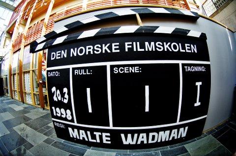 AVVENTER: De tllitsvalgte studentene ved Filmskolen i Lillehammer ønsker ikke å ta stilling i den pågående striden rundt dekan Thomas Stenderup.