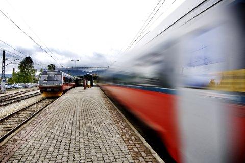 BRED STØTTE: Åtte fylker støtter kravet om dobbeltspor til Lillehammer innen 2027. Det vedtok Østlandssamarbeidet fredag.
