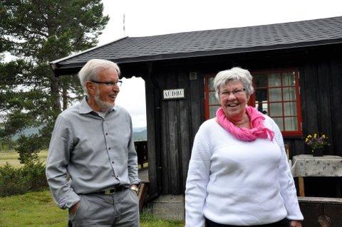Sammen i 54 år: Aud og Roland Nord fra Karlstad feiret gullbryllup på hytta på Kvamsfjellet – 54 år etter bilulykken som førte dem sammen første gang. Alle foto: Ole Magnus Røen