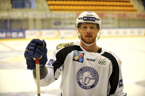 Alexander Reichenberg, som nå spiller for Sparta Praha, er klar for sesongens første landslagssamling i ishockey.