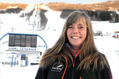 MYE SNØ: Pernille Melby håper på gunstige forhold for forberedelsene til sesongåpningen i Bjorli skisenter.