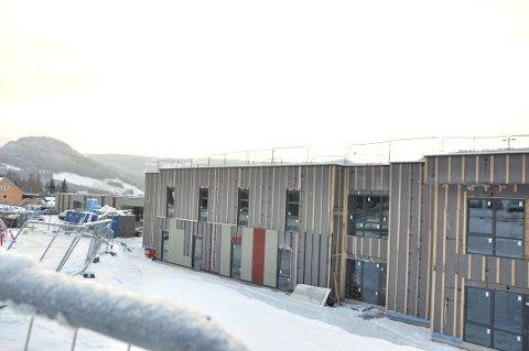 LÅNER TI PLASSER: Her, på Øyer helsehus, skal ti pasienter fra Lillehammer, bo i flere måneder.