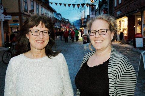 KLARE: Fylkesleder i Oppland KrF, Toril Kristiansen (t.v.), og førstekandidat Hilde Ekeberg.
