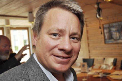 Eivind Falk (Høyre) mener det er betimelig å spørre  hvorvidt det er et reelt behov for nye varaer i Ap, eller om det er snakk om å få inn nye kandidater for neste periode.