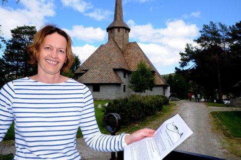 PROGRAMMET: – Bli med på vandringen og fine konserter, inviterer Stina Storhaug Løkken. Foto: Vidar Heitkøtter