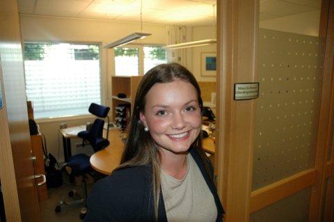 Drømmejobben: Silje Diserud har alltid ønsket å bli politi, og nå jobber hun ved utlendingsseksjonen på Gjøvik politistasjon.Foto: Kjell Haugerud