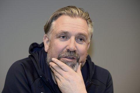 – Vi ønsker selvsagt å spille, men dette betyr at det blir en frihelg og at vi tar oss noen ekstra dager fri før vi gjør oss klare til kampen på torsdag, sier daglig leder i Lillehammer ishockeyklubb, Atle Svensrud, til GD.