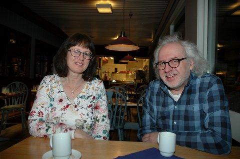 Leder i Oppland KrF Toril Kristiansen og leder i Hedmark KrF, Peder Hodøl er klare for det siste årsmøtet i fylkeslagene før de blir slått sammen til Innlandet KrF.