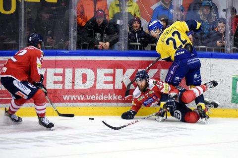 Bookmakerne tror Storhamar blir for sterke for Stein Tore Bakken og Lillehammer også denne sesongen. Her fra finaleserien i april.