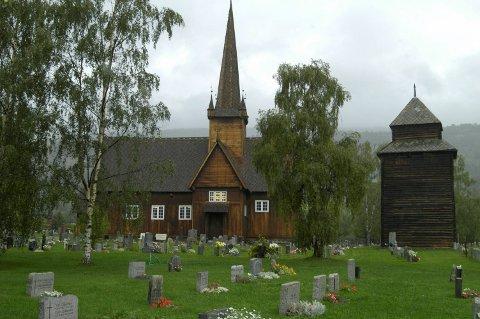 Tidlegare organist i Vågå kyrkjelege fellesråd, Kristin Magret Feidje Brækken, har teke ut søksmål mot sin tidlegare arbeidsgjevar for usakleg oppseiing.