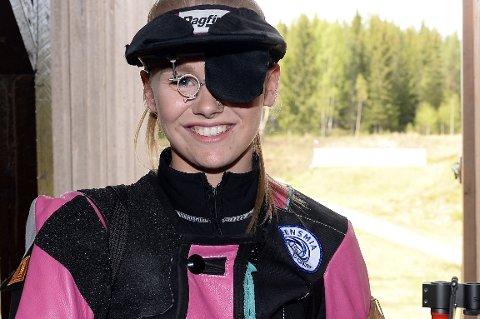FULLT HUS: Cecilie Fossmo fra Ringebu og Fåvang med sterk skyting i juniorklassen.