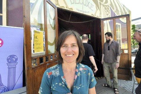 Marit Borkenhagen, leder for Norsk Litteraturfestival,  setter kursen for Frankfurt denne uka for å lage gode forfattermøter for et internasjonalt publikum. Oppland fylkeskommune har ellers et stort rigg på bokmessen som involverer flere titalls ansatte og folkevalgte.