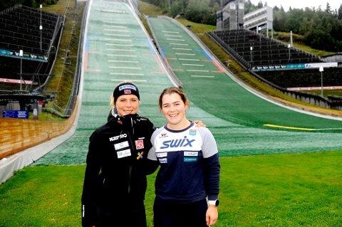 Maren Lundby bidrar med sin kunnskap og kompetanse på den internasjonale hoppcampen på Lillehammer. Gausdølen Thea Øyhaugen er en av dem som nyter godt av det.