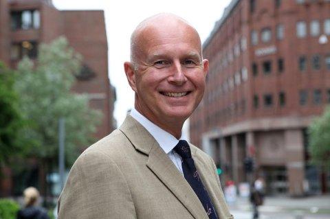Helsedirektør Bjørn Guldvog fikk mandag et skarpt brev fra ordfører Rune Støstad i Nord-Fron som ber om en forklaring på hvorfor de kritiseres av Helsedirektoratet i media.
