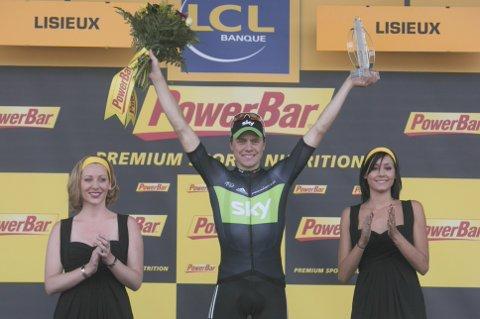 SEIER: Edvald Boasson Hagen etter å ha vunnet sin første av to etapper i Tour de France i 2011. Mangelen på individuelle triumfer siden kommer av Team Skys satsing på sammenlagtseiere mener Geraint Thomas. Foto: Stian Lysberg Solum / NTB scanpix