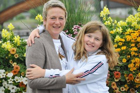 FRISKMELDT: Eva Evine Heramb (45) og datter Evine Heramb Evensen (10) har gjennomgått en tøff tid sammen. Nå er endelig Eva helt frisk.