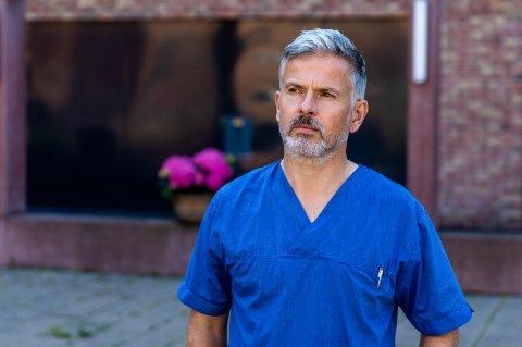 KONTROLL: Lørdag kunne fungerende kommuneoverlege i Lillehammer, Steinar Kuvås Grue, notere ytterligere to covid-19-smittede i Lillehammer. - Utbruddet er  oversiktlig, sier han.