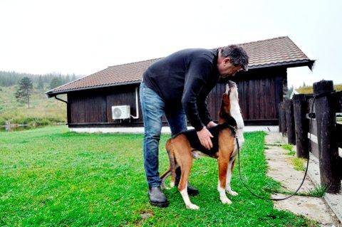 Per Mikael Riise har drevet Riise Kennel og Hundehotell i Saksumdal i 38 år. Nå har han lagt ned.