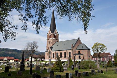 Antallet døpte i Den norske kirke faller. - Urbane trender, mener prosten i Sør-Gudbrandsdal er én av årsakene.