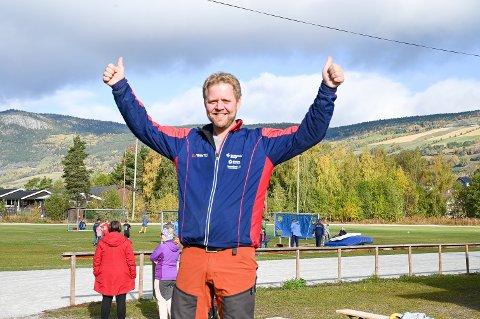 Svein Ove Ånsløkken er leder i Sør-Fron Il. Nesten 500 medlammar har dei nå, ein liten vekst det siste året.
