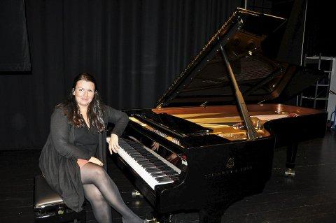 EN AV TRE: Ann Beate Solstad Eide er en av tre aktører som deltar på konserten i Nikolaikirken 30. oktober.