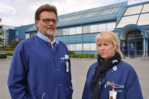 NYE PERMITTERINGER: Tillitsvalgt Gro Anita B. Hagaseth og administrerende direktør Erik Lundbekk på Hapro konstaterer at oljebransjens nedtur for alvor har nådd Hapro. Arkivfoto