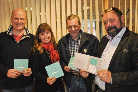 NYTT KORT: Knut Skollerud (Roa, fra venstre), Kari Framstad Lokrheim (Gran), Ingvald Eid (Brandbu) og Terje Gundersen (Grua og Harestua) lanserer Hadelandskortet neste uke.