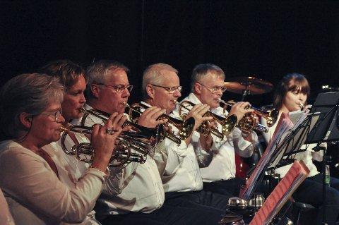 MUSIKERE: Moen Musikkforening, ved noen av dem.