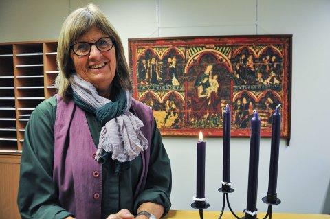 JULEFEIRING: Diakon Ruth Kari Sørumshagen inviterer til julefeiring i Moen kirkestue julaften.