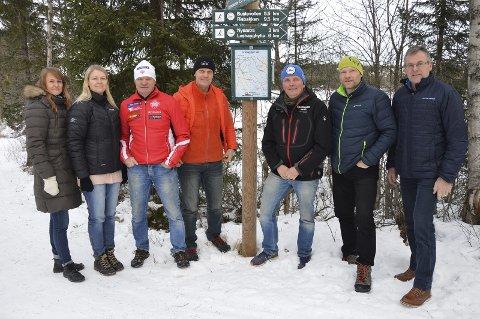 SAMLING: Elisabeth Rækken Hansen, Vibeke Buraas Dyrnes, Tore Gullen, Even Erlien, Kasper Andresen, Thomas Andresen og Paul Rief er blant de involverte i prosjektet.