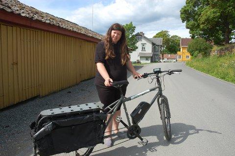 Elsykkel på Granavollen, pilegrimsvertinne Frøydis Barstad