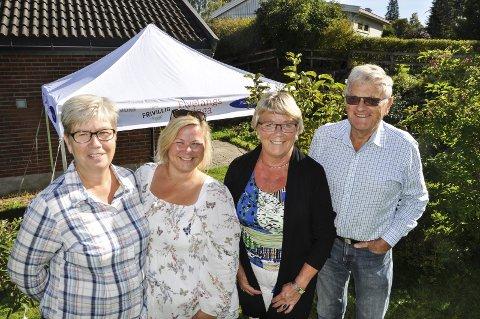 FEMTE VANDRING: Else Hagen Lyngstad (fra venstre), Veronica Stokkvold, Irene Thoresen og Per Christian Christensen er klare for ny vandring langs Vigga.
