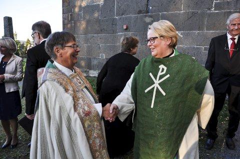 Nå slutter hun: Biskop Solveig Fiske ønsket Kirsten Almås velkommen som prost i Hadeland og Land for fire år siden. Nå begynner Almås som domprost i Hamar, og søkerlista til stillingen som prost er klar.