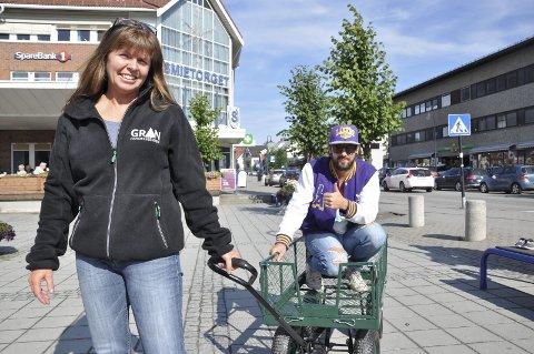 KLARE: Kari Framstad Lokrheim drar i gang årets potetfestival. Rune Larsen sørger for ungdomsfest torsdag.