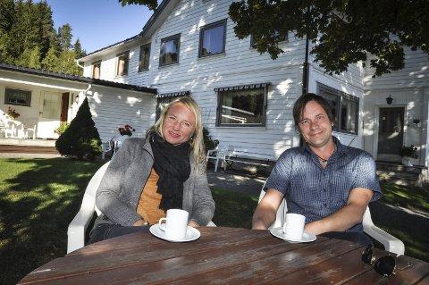 Eystein Hagen og Tine Resset har kjøpt Ringvold Pensjonat.