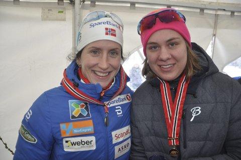IMPONERT: Norgesmester Marit Bjørgen er imponert over norgesmester Anne Karen Olsen fra Svea.