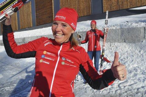 ILDPRØVEN: Søndag skal Beate Haugen Tveten gå det ni mil lange Vasaloppet. Hun har med seg venninnen og treneren, Ruth Sørum.