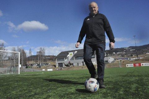 TØFT ÅR: Arne Hvinden gleder seg til fotballstarten med Gran. Fjoråret var tøft.