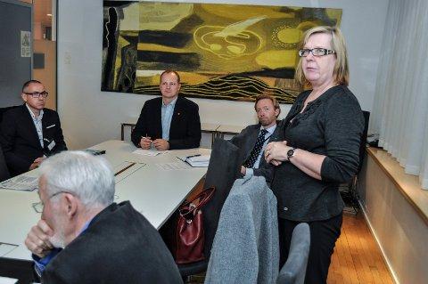 – FORBANNET: Nittedalsordfører Hilde Thorkildsen (Ap) er misfornøyd med prioriteringene fra samferdselsminister Ketil Solvik-Olsen (FrP).
