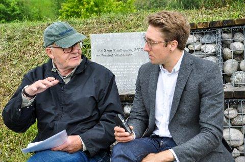 Lars Hvinden intervjues av Aaron Juneau i Tate Etc. Magacine.